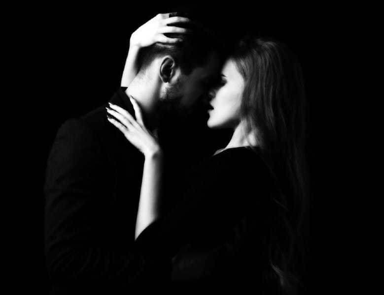 Couple in Passion, Kissing / 86400 Reasons to say I Love You